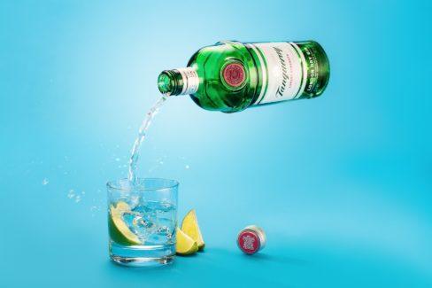 Levitating Bottle in Photoshop