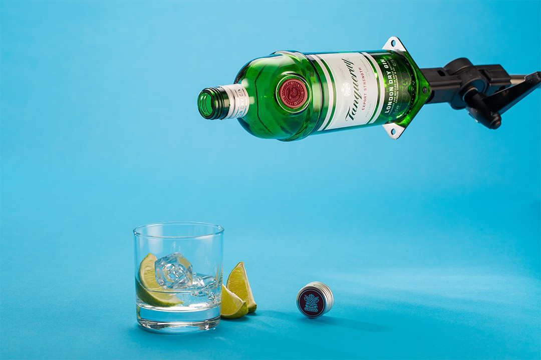 Levitating Bottle in Photoshop